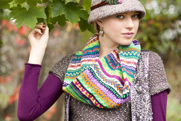 Vogue Knitting Cowl Pattern : Whats Your Season?
