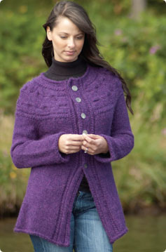 Free Knitting Pattern 40464-K Cape : Lion Brand Yarn Company